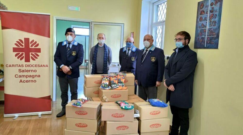 Salerno, 150 calze della Befana in dono alla Caritas