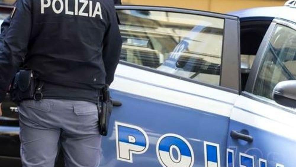 Suicidio a Pastena: anziano si lancia dal 5° piano e muore