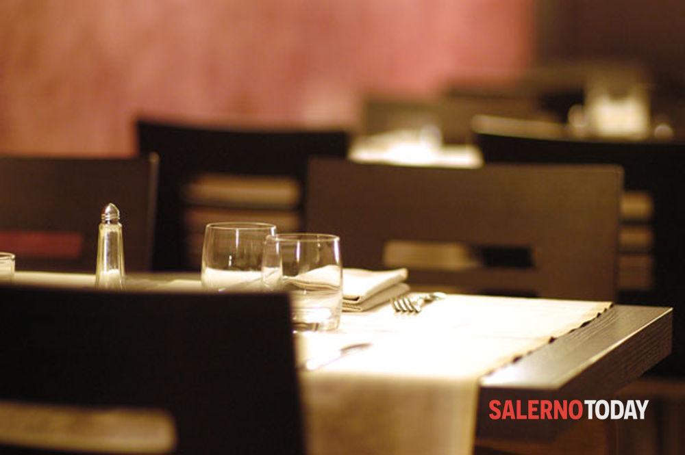 Furto in un ristorante a Pellezzano e violazione dei domiciliari: due arresti