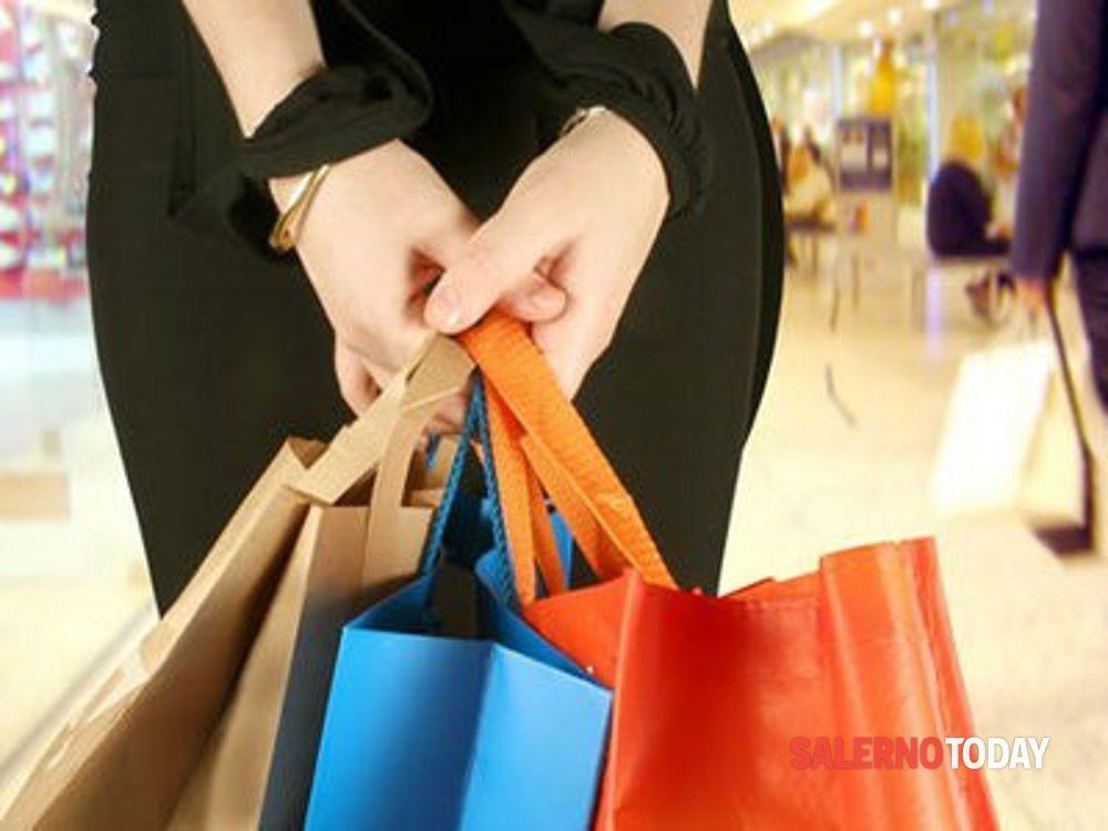 Covid e crisi: il Codacons aiuta i piccoli commercianti per le vendite on-line
