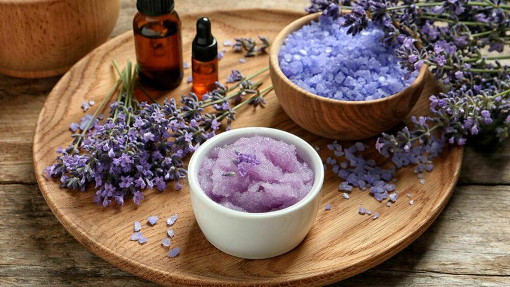 Cura della pelle: 5 ricette per uno scrub con ingredienti naturali