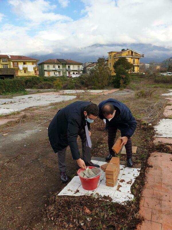 Fisciano, al via la realizzazione di 23 nuovi alloggi: sopralluogo del sindaco