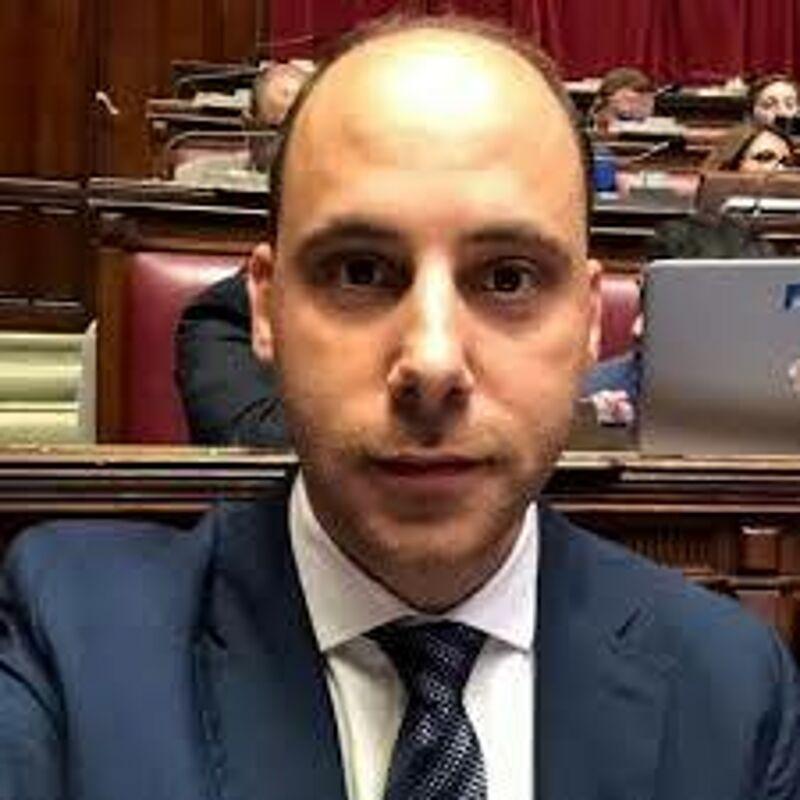 M5S, la lettera del deputato Cosimo Adelizzi agli studenti