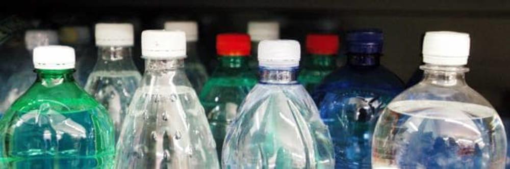 Allarme plastica: lo studio sugli effetti per la salute delle sostanze presenti nelle materie plastiche