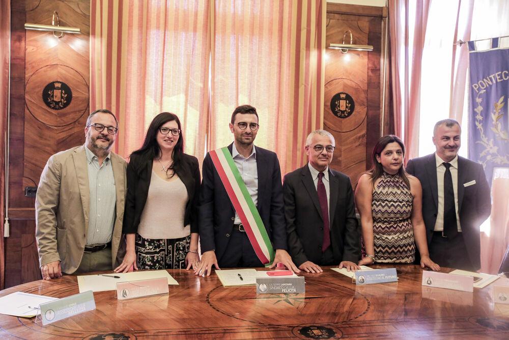 Comune di Pontecagnano Faiano, si dimette l'assessore Paola Manzo