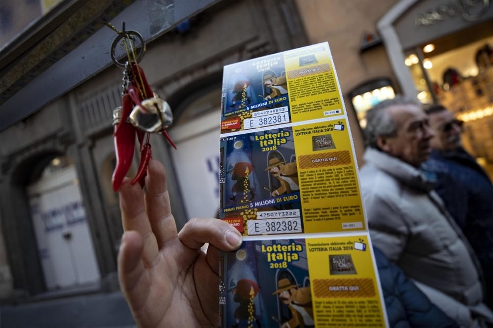 Lotteria Italia, Campania: staccati 387mila biglietti (-36%), Salerno seconda nelle vendite