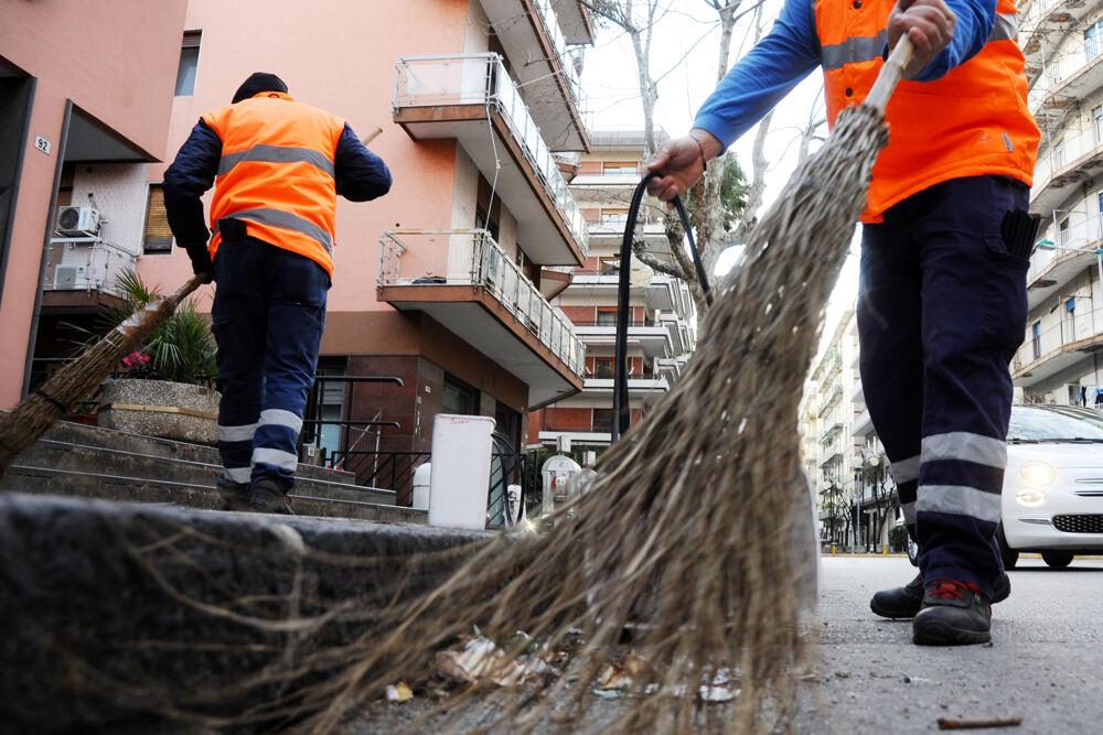 Pulizia straordinaria delle strade a Sala Abbagnano: scatta il divieto di sosta