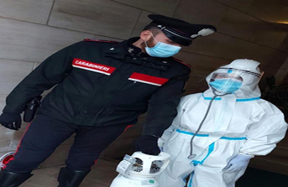 Paziente Covid necessita di bombola d'ossigeno, gliela portano i carabinieri