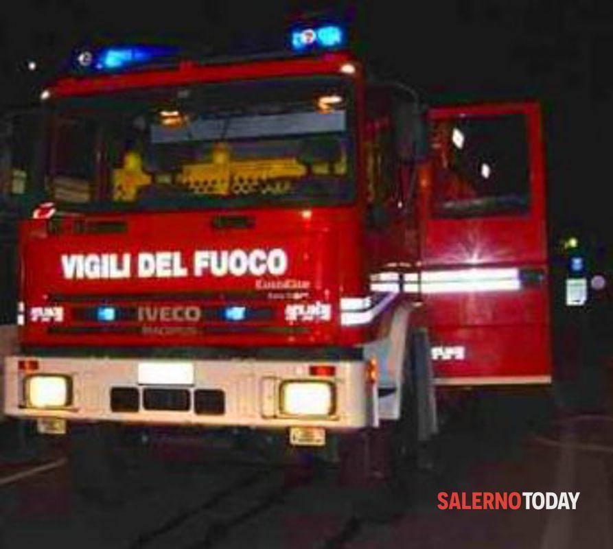 """Scafati, incendio all'ingresso di una sala tabacchi: """"Natura dolosa"""""""