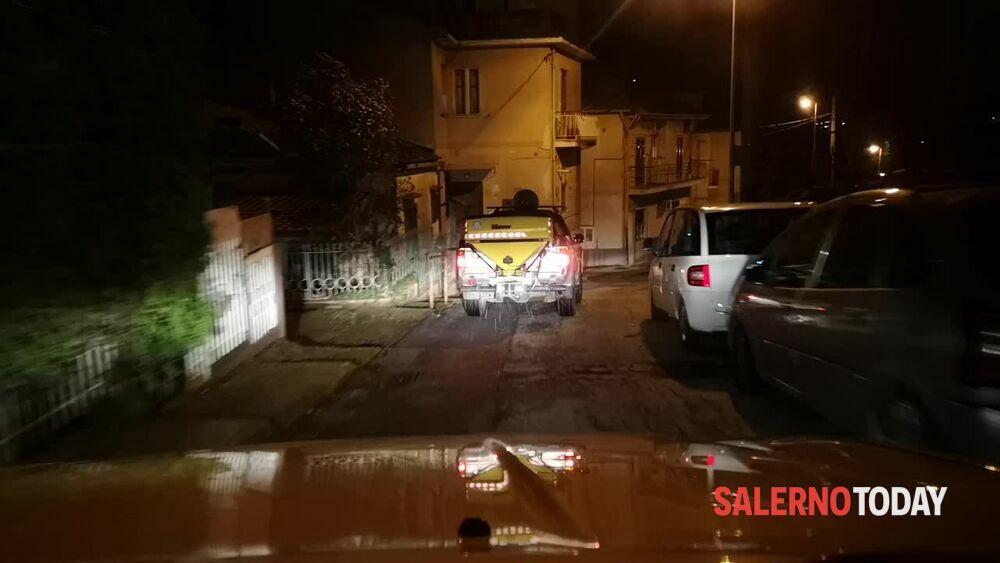 Allerta neve a Salerno: i mezzi spargisale della Protezione Civile in azione