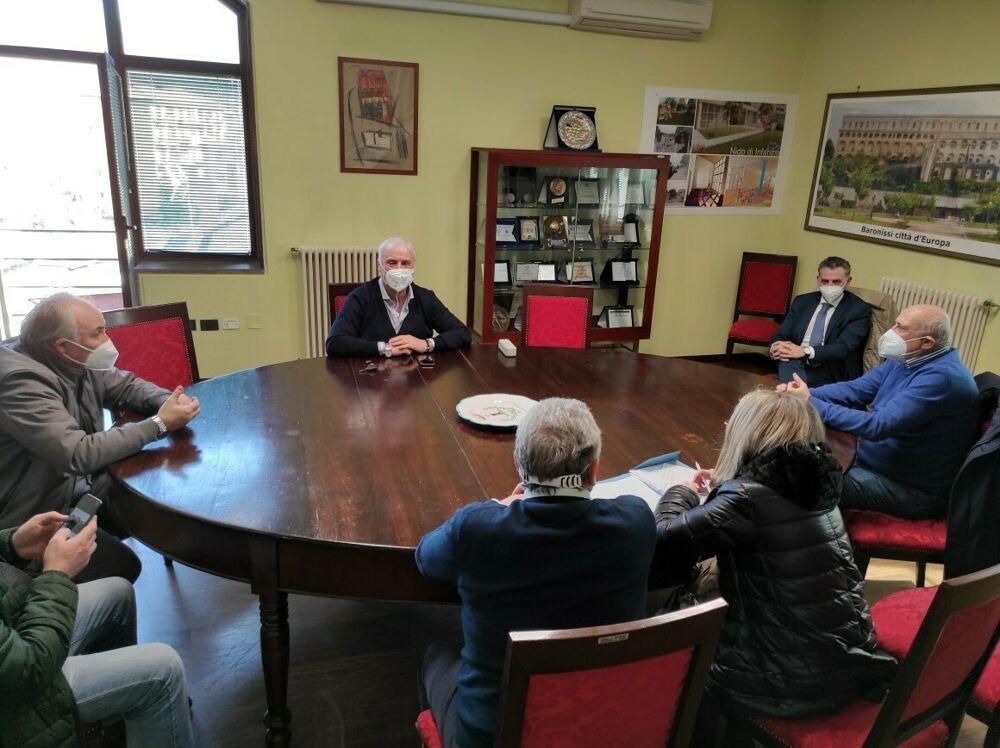 Covid, centro vaccinale a Baronissi: il sindaco incontra il direttore dell'Asl