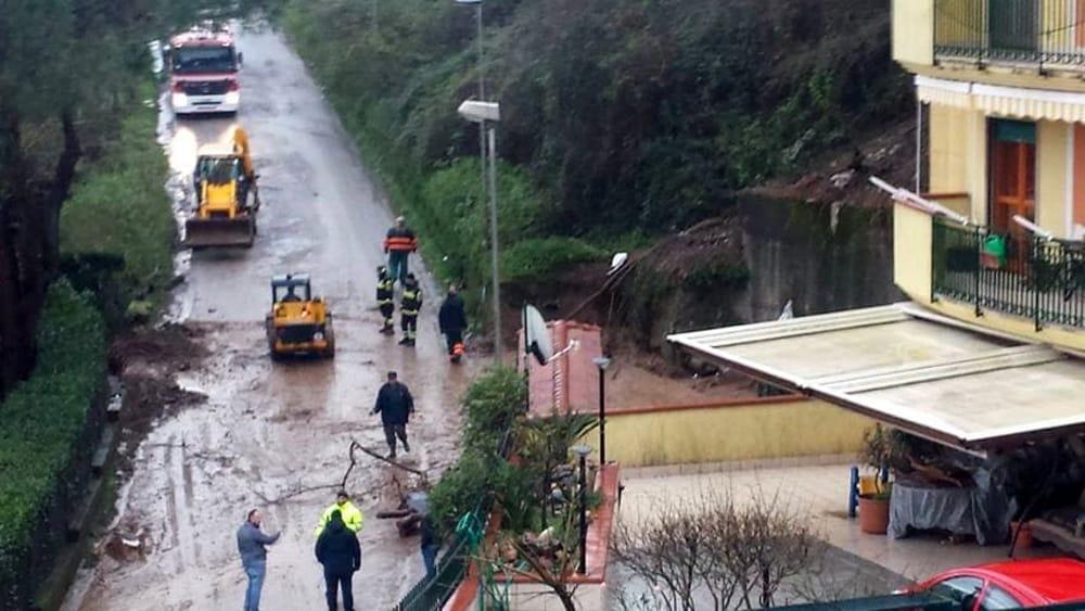 Maltempo, smottamento a Pellezzano: chiusa la Strada Provinciale 27
