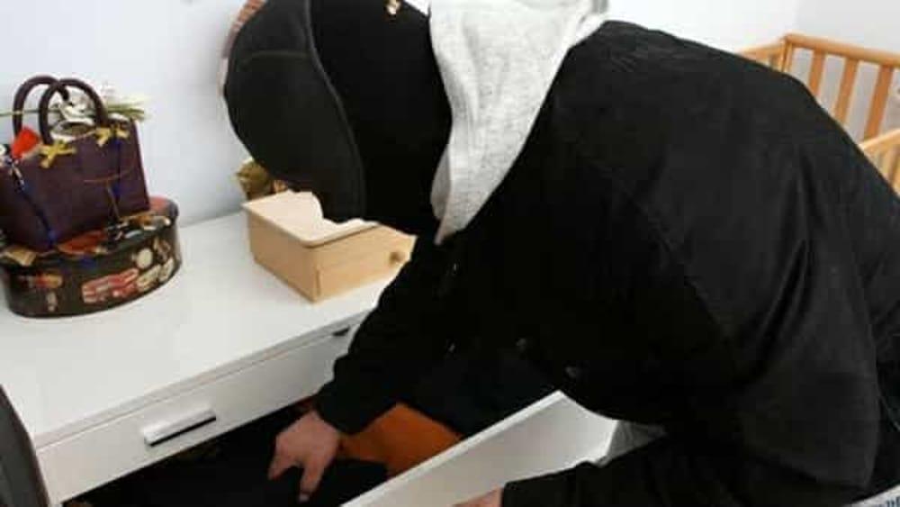 Ruba in una casa e poi cade dal balcone ad Agropoli: ladro in ospedale