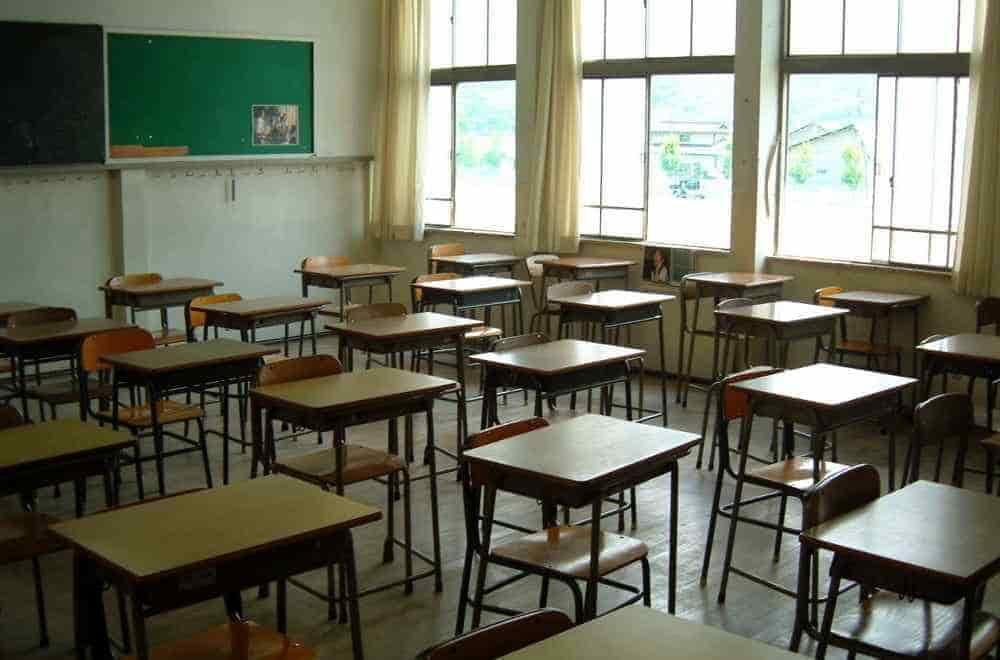 """Covid-19 a Pagani: chiusa la scuola """"Criscuolo"""", classi in quarantena al liceo """"Mangino"""""""