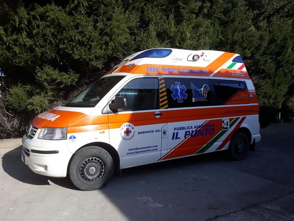 Incidente a Mercato San Severino: tre feriti, i soccorsi