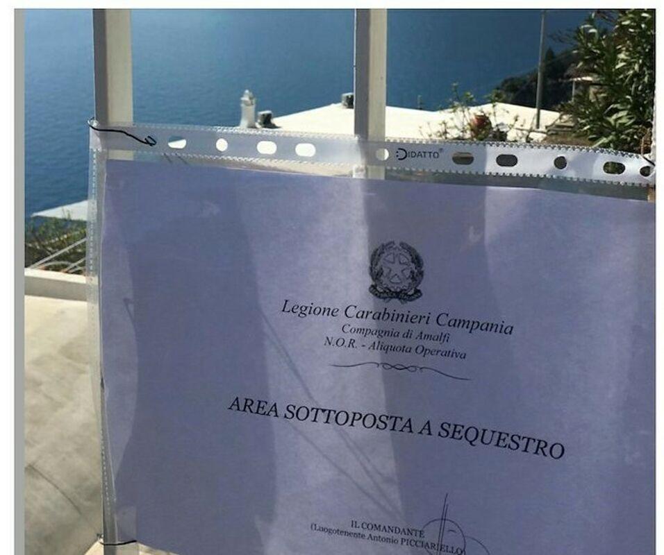 Praiano, lavori senza autorizzazione nella villa di lusso: sequestro dei carabinieri