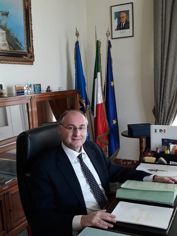 Bando restauratori in Provincia: le precisazioni del presidente Strianese
