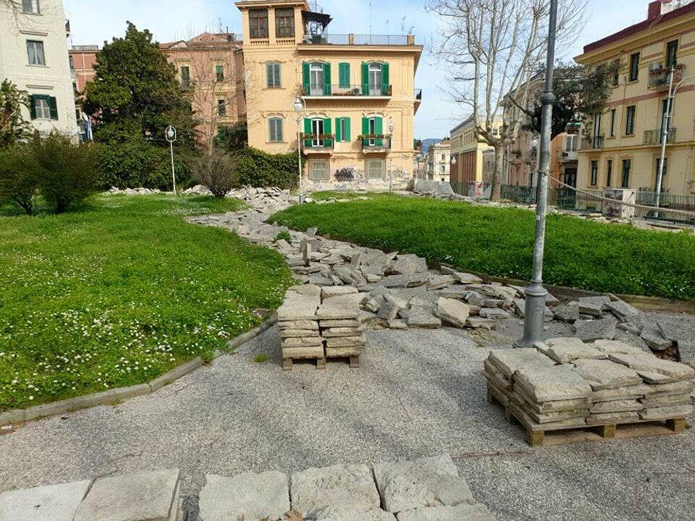 Piazza Alario: progetto modificato, lavori fermi