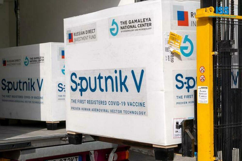 """Vaccino Sputnik in Campania, Bonavitacola: """"Nessun motivo per tornare indietro"""""""