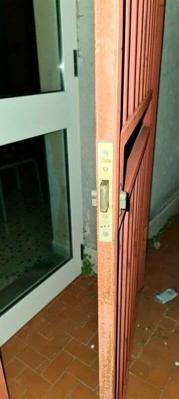 Furto sventato in una scuola di Oliveto Citra: banditi in fuga