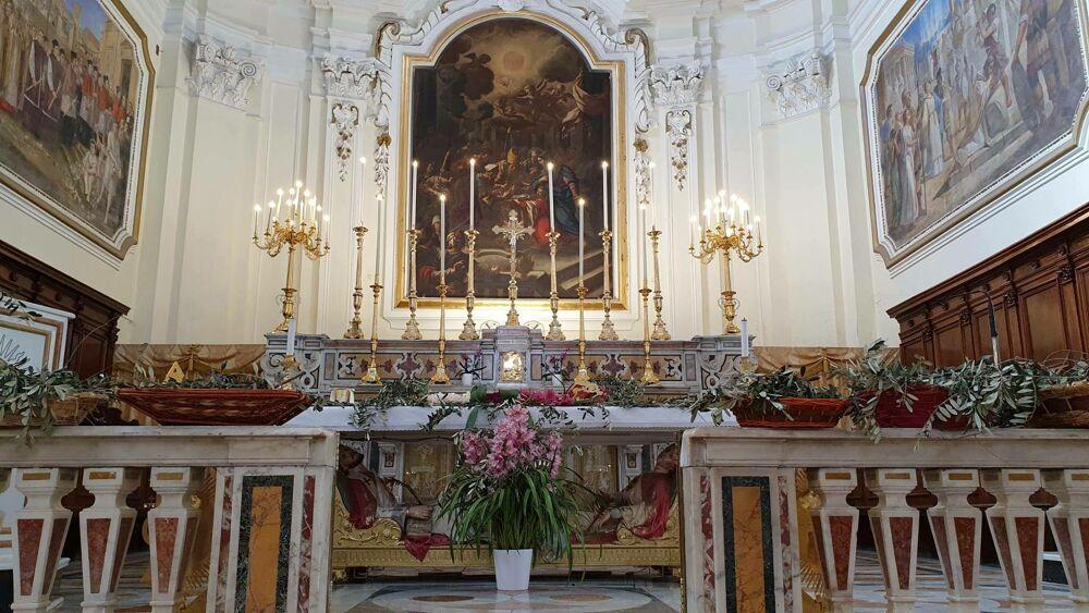 Chiesa gremita nel Venerdì Santo a Pagani: multati parroco e direttore della banda musicale