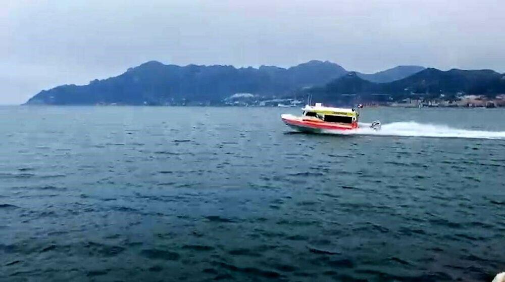 Soccorsi in Costiera: ad Amalfi approda l'ambulanza del mare di rianimazione