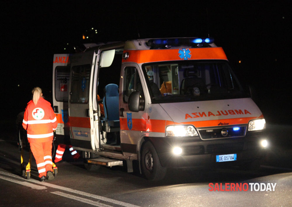 Cava: incidente in serata, ingenti danni alle auto