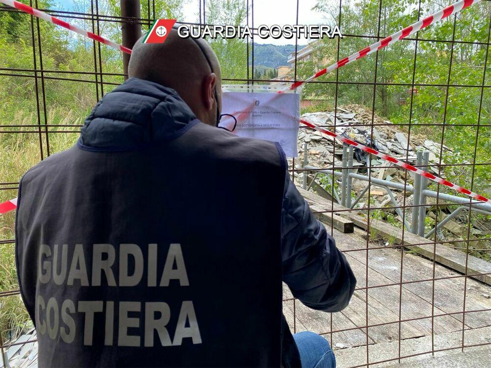 Pellezzano: deposito incontrollato di rifiuti, sequestrata un'area