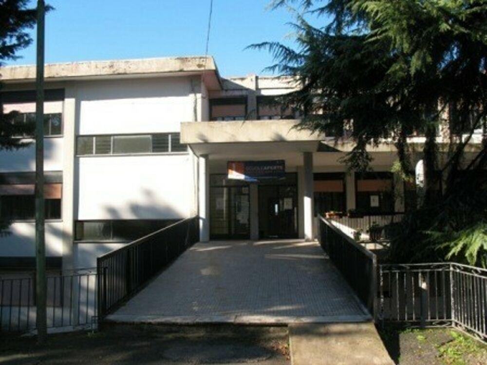 """Covid-19 a Fisciano, alunna positiva alla scuola """"Nicodemi"""": classe in quarantena"""