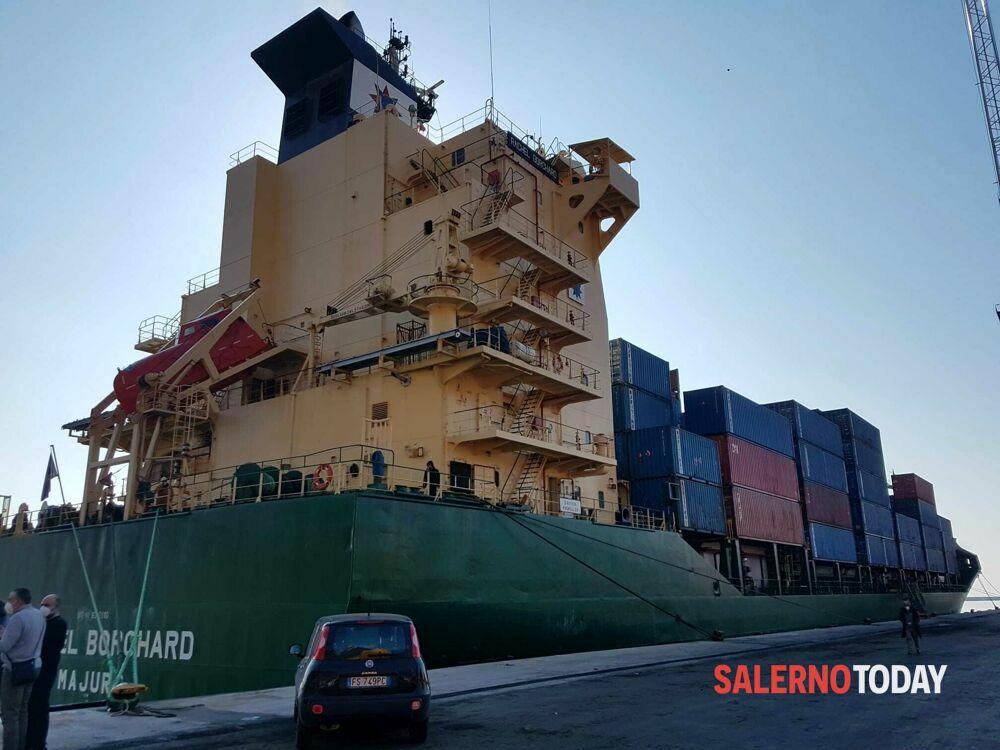 Nave migranti al porto di Salerno: presenti anche 8 minori non accompagnati