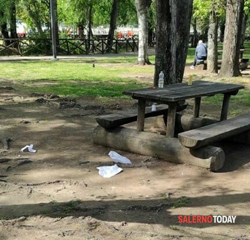 Degrado a Salerno: rifiuti e proteste al Parco Mercatello, la denuncia