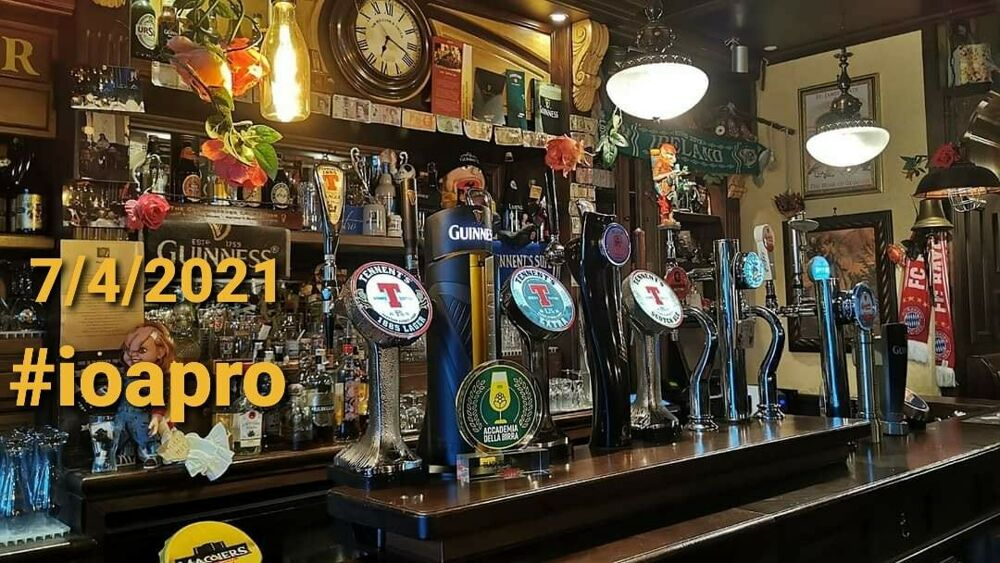 #Ioapro: Black and Roses Irish Pub dal 7 serve ai tavoli, protesta di un barbiere a Mercatello