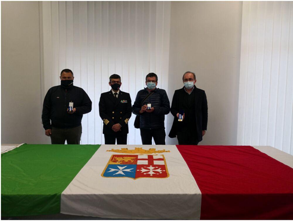 """""""Gente di Mare"""", premiati tre marittimi di lunga navigazione a Salerno"""