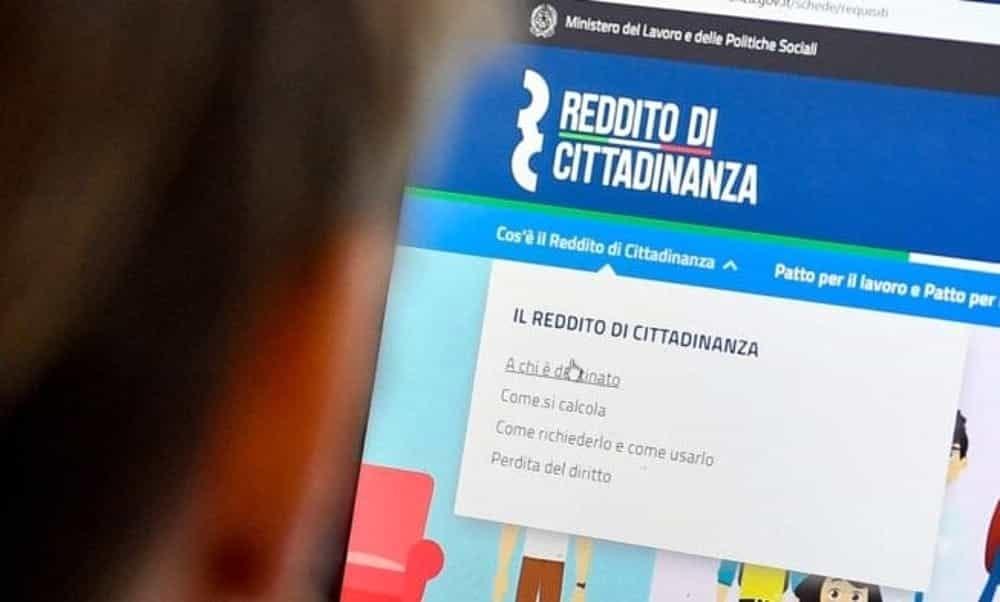 """Salerno, scoperti 24 """"furbetti"""" del Reddito di Cittadinanza: dovranno restituire 50mila euro"""