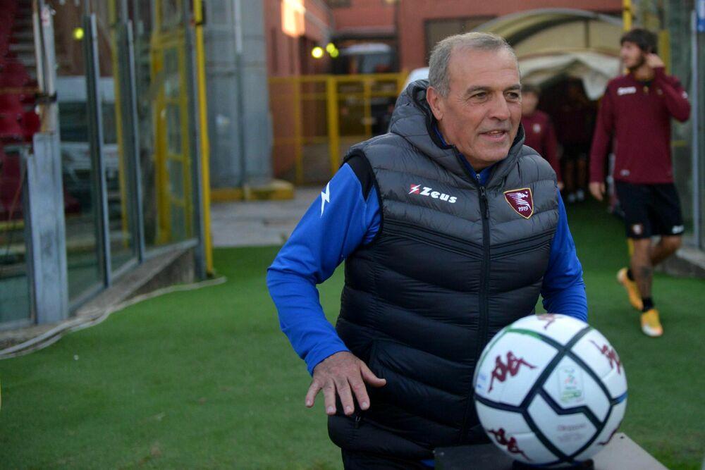 Salernitana, l'allenatore Castori è positivo al Covid: la lettera ai tifosi
