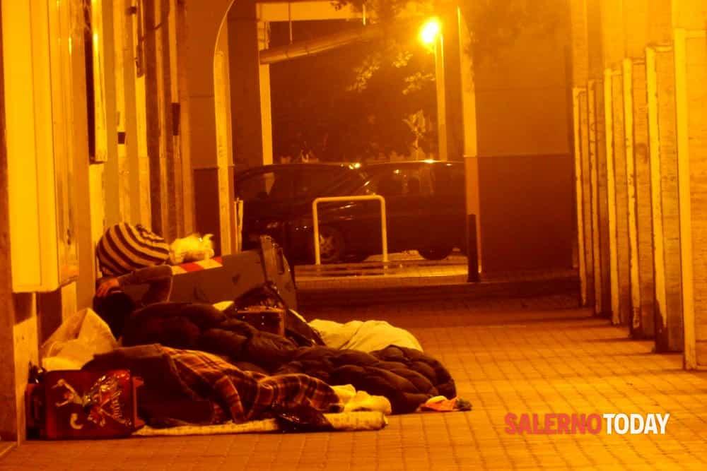 """Senzatetto a Salerno, Lambiase e Gigantino: """"Subito una Casa dell'Accoglienza"""""""