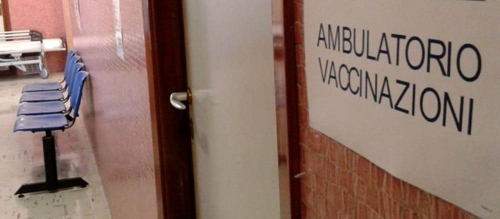 Vaccini in Campania: 883.791 dosi somministrate, i dati