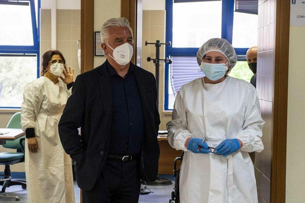 Covid-19, oltre 2mila salernitani vaccinati in due giorni: soddisfatto il sindaco