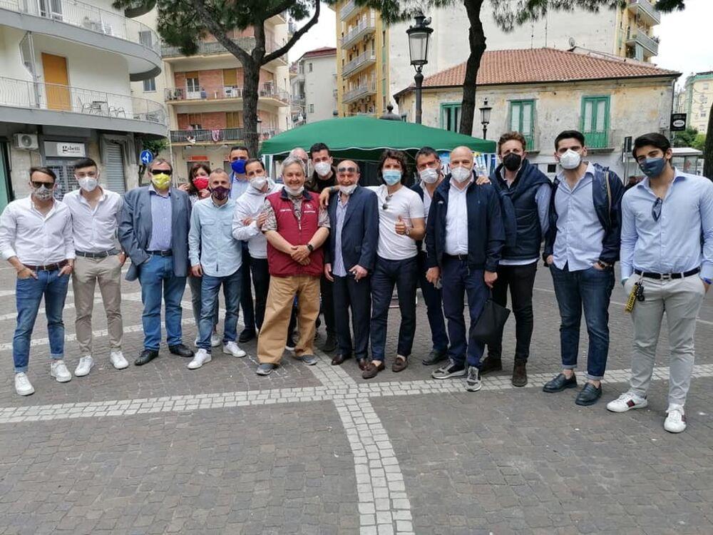 """""""Mangia come Parli"""", al gazebo della Lega arriva il vicesegretario Andrea Crippa"""