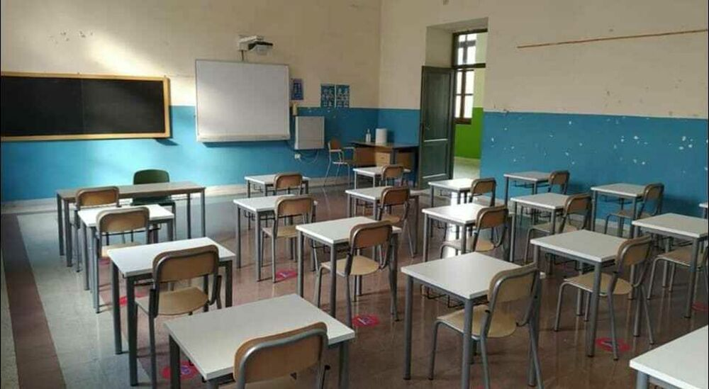 Allarme Covid in una scuola: sospese le lezioni in due classi a Padula
