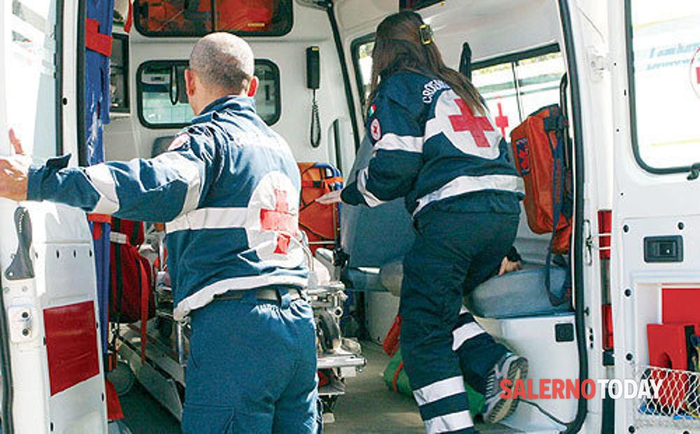 Incidente tra auto e moto a Capaccio: grave un 16enne