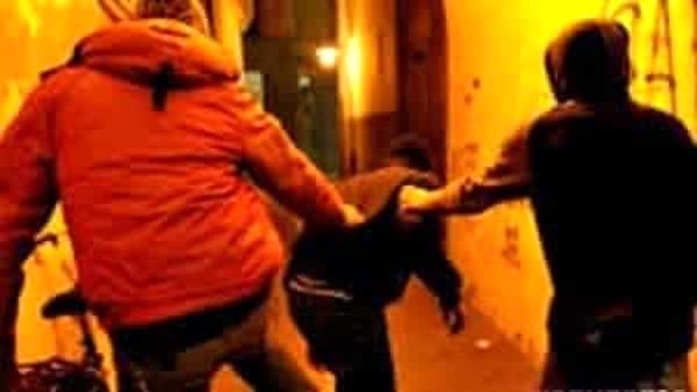 Rissa tra due gruppi di giovani dopo il coprifuoco a Nocera Inferiore: si indaga