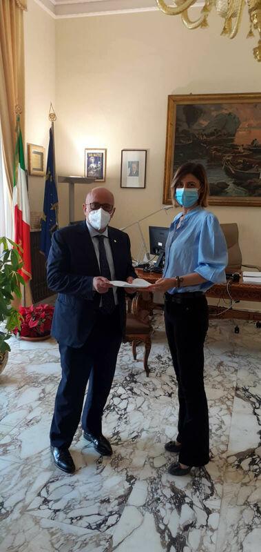 """Scuole Aperte in Campania, incontro col Prefetto: """"Applicare correttamente i protocolli di sicurezza"""""""