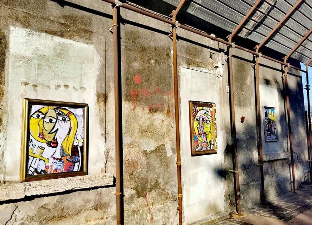 "Street art ""cubista"" sui palazzi abbandonati: la curiosità"