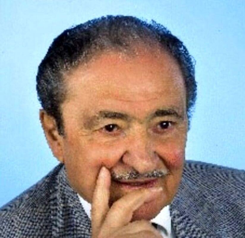 Funerali di Alfonso Vocca: l'ultimo saluto di Sala Consilina all'ex sindaco