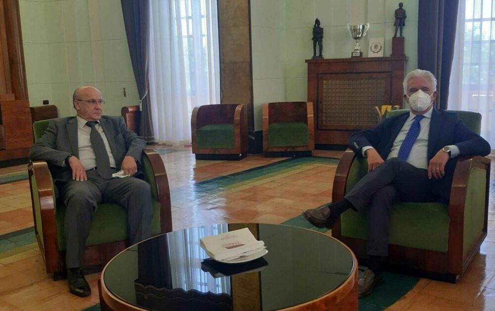 """Relazioni diplomatiche, il sindaco Napoli annuncia: """"Gemellaggio con l'Algeria"""""""
