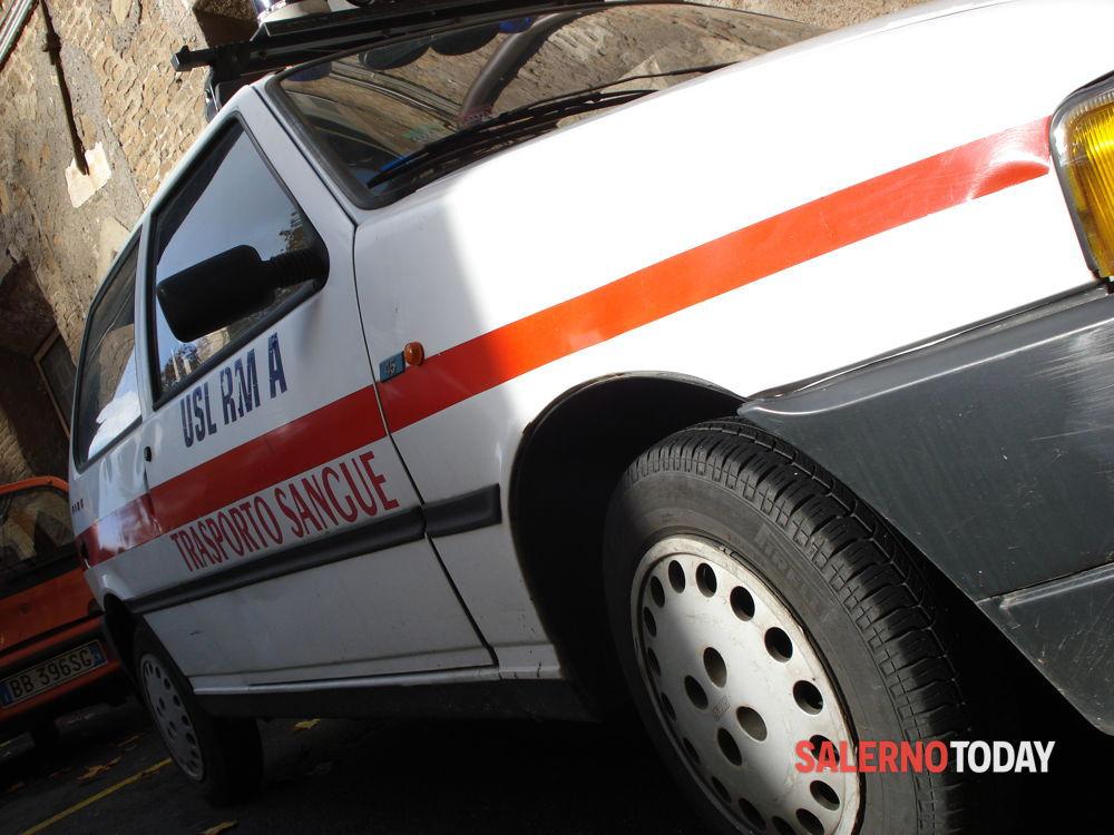 Incidente a Sala Consilina tra auto e pullman: un ferito