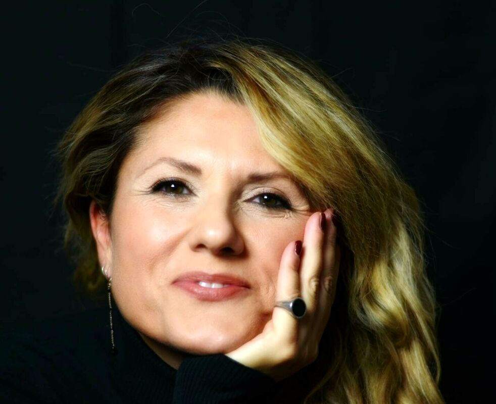 """La ripartenza del teatro: Antonella Valitutti presenta """"Letteralmente parlando"""""""