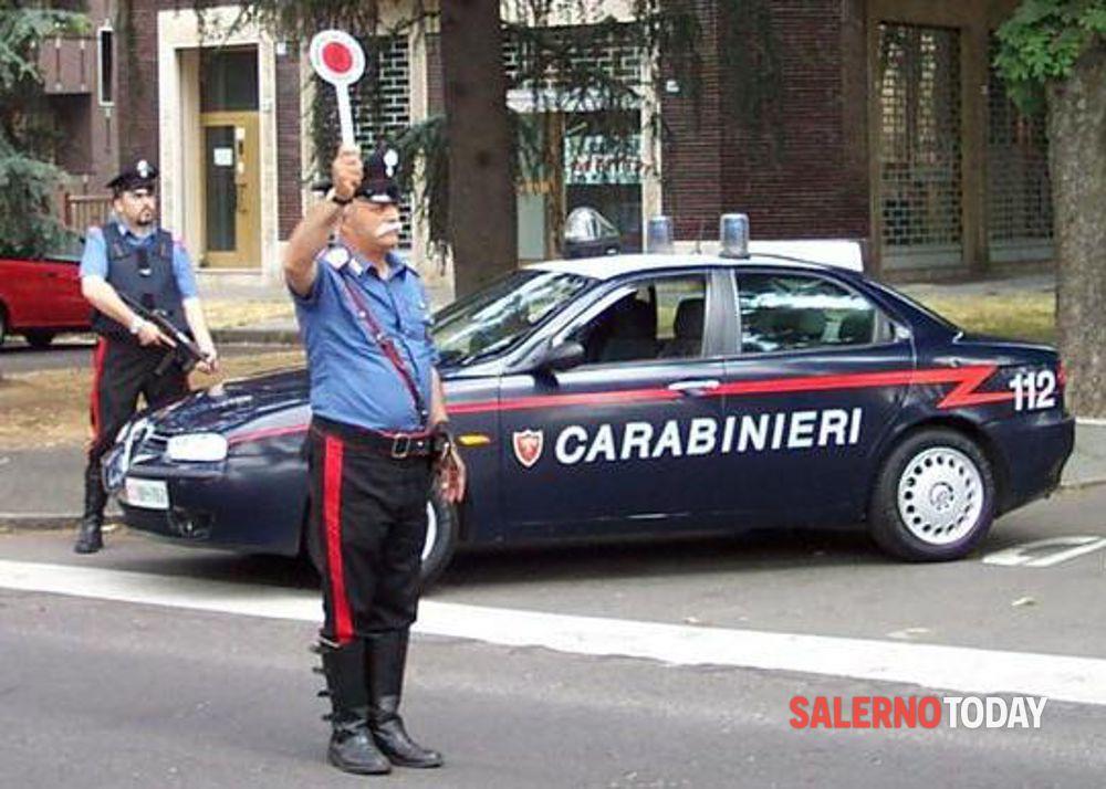 Gli sequestrano lo scooter e aggredisce i carabinieri: arrestato a Baronissi