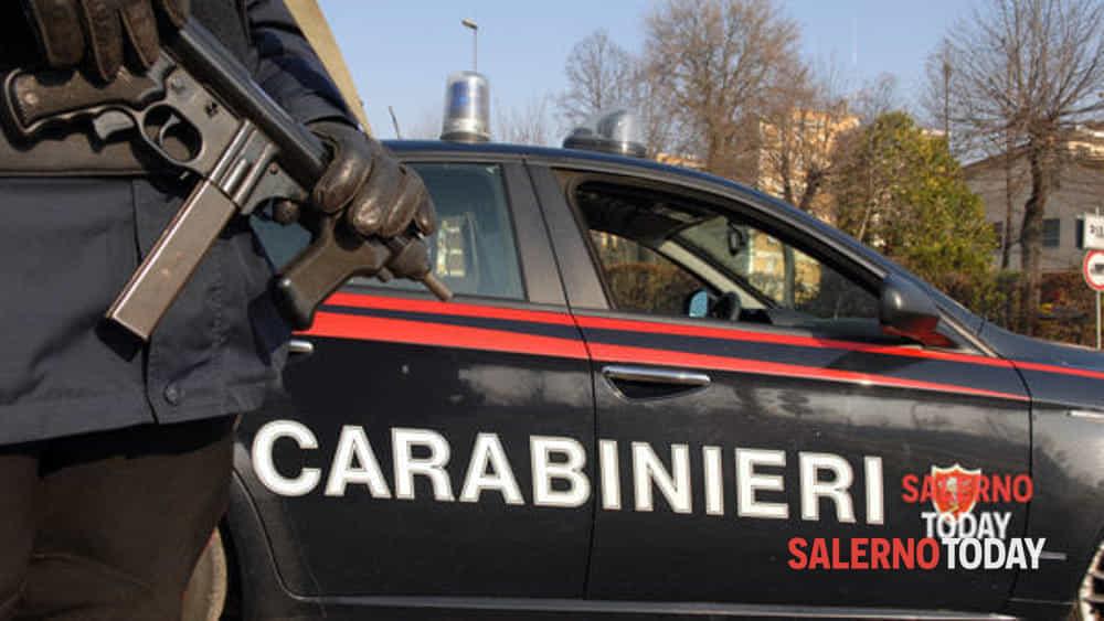 Entra e porta la via la cassa del bar: ladro in fuga a Pontecagnano